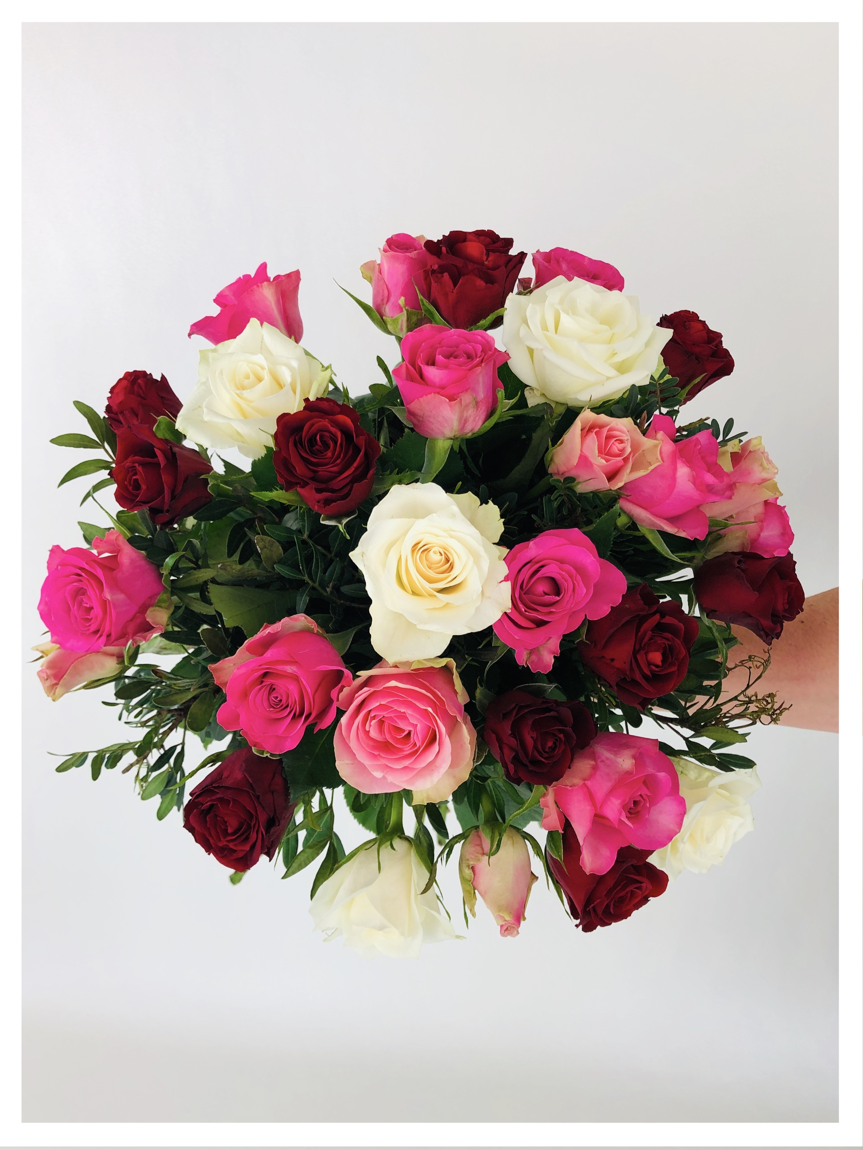 Bouquet rond - roses roses, rouges et blanches
