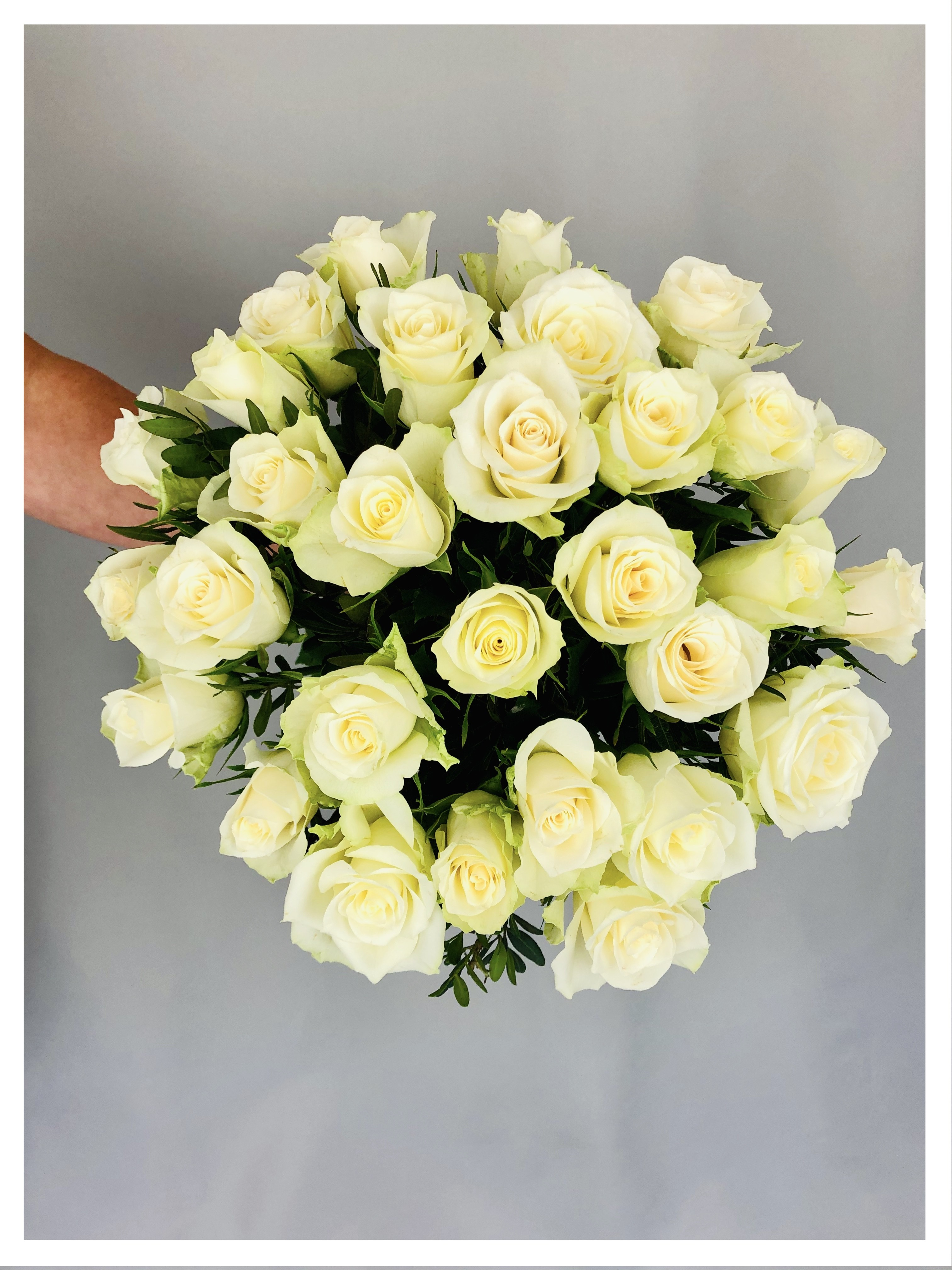 Bouquet rond -  roses blanches
